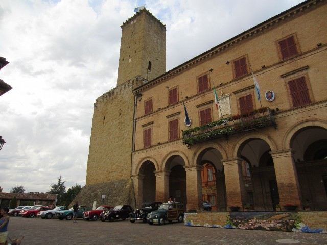 Le auto d'epoca a Castelraimondo